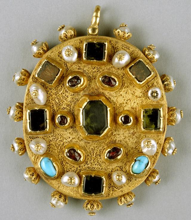 Reliquary pendant treasures of heaven reliquary pendant aloadofball Image collections